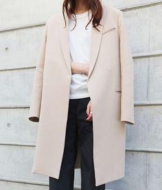nude coat.: