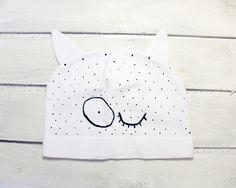 Kocia czapka z uszami, dla dorosłych,biała,groszki - ARTandCAT - Dzianina