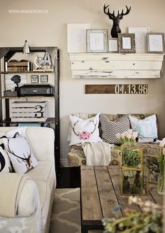 Love the pallet w/ date for bedroom and coffee table for family room.