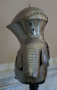 KHM Wien S XI - Jousting armour by Jörg and Lorenz Helmschmid back.jpg, A side view of some jousting armour created for Maximillian I by Jörg and Lorenz Helmschmid, circa 1494. Located in the Kunsthistoriches Museum Neue Burg arms and armour collection. (photo by Sandstein) You can see and download a huge version of this photo at: http://upload.wikimedia.org/wikipedia/commons/a/a5/KHM_Wien_S_XI_-_Jousting_armour_by_J%C3%B6rg_and_Lorenz_Helmschmid_side.jpg