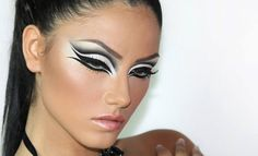 Very nice cut crease eye makeup