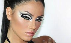 Very nice cut crease eye makeup