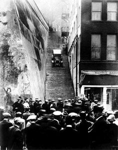 Retronaut - 1924: Driving a Rickenbacker car down Hope Street Steps