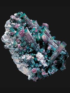 Watermelon Tourmaline cluster from Sapo Mine, Golabeira, Doce Valley, Minas Gerais, Brazil Minerals And Gemstones, Rocks And Minerals, Natural Crystals, Stones And Crystals, Gem Stones, Watermelon Tourmaline, Rock Collection, Beautiful Rocks, Mineral Stone