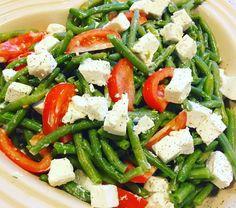 Caprese Salad, Cobb Salad, Going Vegan, Superfood, Let, Salad Recipes, Vinaigrette, Buffet, Grilling
