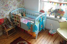 ΜΠΛΙΑΧ!  colorful & eclectic nursery via apartmenttherapy (Nordic Charm: Light, Bright, Playful Children's Rooms)