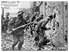 german-soldiers-attack-westerplatte-poland-1939.jpg (837×631)