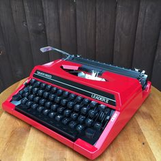 Silver Reed Leader II Red typewriter portable working ribbon serviced rare retro | eBay