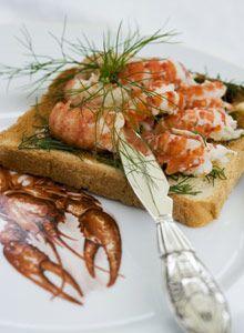 Scandinavian delicatess: crayfish. Rapujuhlat – Kräftsmörgås