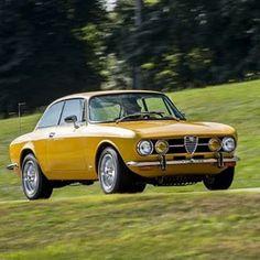 Alfa Romeo 1750 GTV  ALFA ROMEO HISTORY 8 OF 25 -  Autodelta e Bertone ed è di nuovo un altro capolavoro la 1750 GTV anche lei del 67' è una 4 cilindri in linea da 1.750 cc e 118 cv più raffinata negli interni rispetto alle alte GT e un tassello fondamentale della casa del Biscione l'auto con un peso di 1030 kg era in grado di raggiungere i 200 km/h e' stata una delle alfa più apprezzate anche lei sono stati prodotti 42.000 vetture più 3.000 per l'America  nella foto il classico colore che…