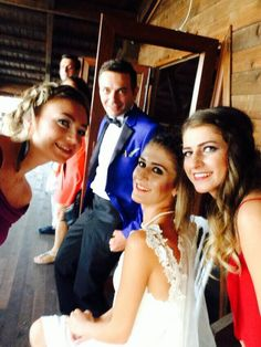 Friendssss #berwishako #bride #groom #beachwedding