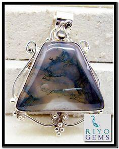 Moss Agate Silver pendant Jewlery by Riyo Gems www.riyogems.com