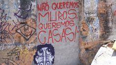 """No domingo, 12h, os moradores da Favela do Moinho se reúnem para derrubar o muro construído de forma arbitrária após um incêndio criminoso, que deixou mais de 30 mortos no final de 2011.A derrubada do """"Muro da Vergonha"""" simboliza a luta da comunidade contra a opressão da especulação imobiliária na região central da capital paulista....<br /><a class=""""more-link""""…"""