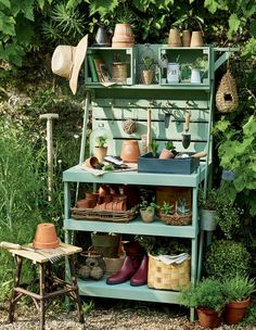 New Ikea Patio Furniture Ideas Ideas Potting Bench Plans, Potting Tables, Garden Yard Ideas, Garden Projects, Patio Ideas, Diy Patio, Backyard Patio, Table Jardin Palettes, Shabby Chic Outdoor Decor