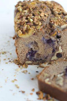 Wildblend - Healthy Treats for Unicorn Lovers Paleo Banana Bread, Paleo Bread, Banana Bread Recipes, Raw Food Recipes, Healthy Recipes, Sweet Bread, Fitness Nutrition, Healthy Treats, Desserts