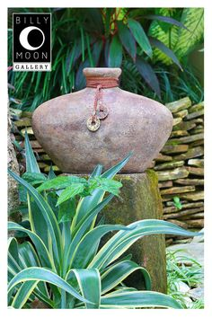 Cowboy Vase. Terracotta vase. Genuine leather wrapping. Rustic finish. Brass details. A0775