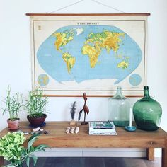 Waar gaan we heen? #wereldkaart #itflinkeboskje #hetvoorhuis #vakantiehuis  of blijven we in #friesland ....