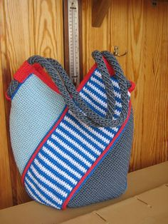 Free Crochet Bag, Crochet Tote, Crochet Quilt, Crochet Handbags, Crochet Purses, Diy Crochet, Crochet Stitches, Crotchet Bags, Knitted Bags