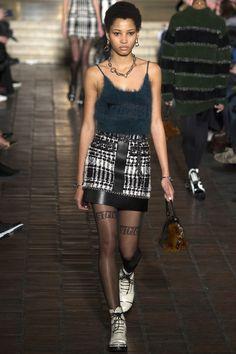 Alexander Wang Fall 2016 Ready-to-Wear Fashion Show - Lineisy Montero