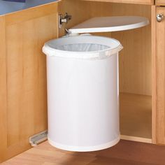 We sell swivel waste bins, including Maxi metal waste bins, metal trash cans, and plastic waste bins. These are ideal for vanities, kitchens and bathrooms.