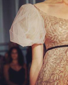Gold leaves ⭐️ @reem_acra #Repost @instahautecouture #fashion #hautecouture #style #fashionista #chic #elegant #fashionblogger #beautiful #instafashion #embroidery #wedding #beauty #design #details #moda #trendy #trend #fashionable #designer #stylist #stylish #art #vogue #ootd #inspiration #dress #designer #accessories