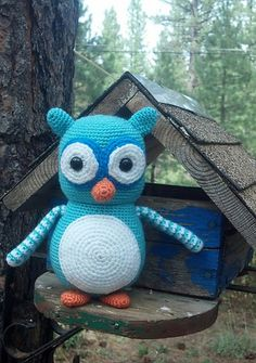 Amigurumi owl - crochet pattern by Lovely Baby Gift