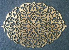 Naht Sanatı: Balık Motifli Sarmaşık(080 mikron pirinç) Stencil Patterns, Stencil Designs, Pattern Art, Islamic Calligraphy, Calligraphy Art, Jaali Design, Laser Cut Panels, Laser Art, Islamic Art Pattern