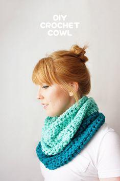 DIY • Crochet Cowl • Free Pattern ༺✿Teresa Restegui http://www.pinterest.com/teretegui/✿༻