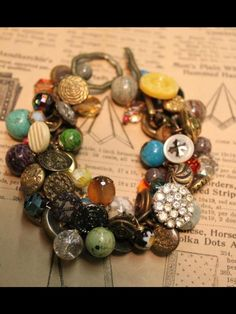 Vintage Goodness! Old Buttons  www.sassysistersj...