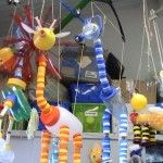 Creative Kids, Creative Crafts, Diy And Crafts, Crafts For Kids, Arts And Crafts, Bottle Top Crafts, Teachers Room, Marionette, Bottle Cap Art