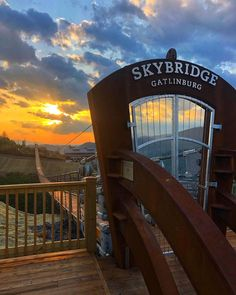 I need to see this! Gatlinburg Vacation, Tennessee Vacation, Cabins In Gatlinburg Tennessee, Gatlinburg Weddings, Sevierville Tennessee, Nashville Tennessee, Vacation Places, Vacation Destinations, Places To Travel