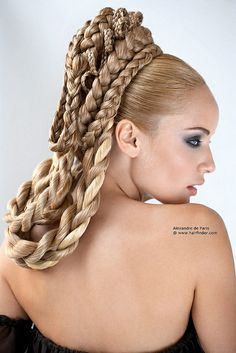 Goddess braids are known for their impressive size, weight, and variety. They make you look like nothing less than a goddess. Read on to find out 26 of the best styling ideas for goddess braids. Cute Braided Hairstyles, Long Hair Wedding Styles, Wedding Hairstyles For Long Hair, Braids For Long Hair, Box Braids Hairstyles, Cool Hairstyles, Short Hair Styles, Bridal Hairstyles, Greek Hairstyles
