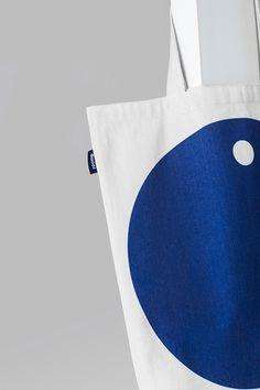 Roomp on Behance Hotel Branding, Restaurant Branding, H Design, Logo Design, Design Room, Custom Tote Bags, Fabric Bags, Paper Bags, Linen Bag