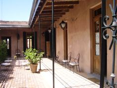 San Antonio de Areco Pintura Exterior, Mexico House, Green Architecture, Spanish Colonial, Moorish, Cottage Homes, Modern Farmhouse, Dream Vacations, San Antonio