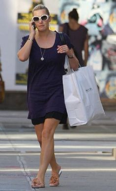 Kate Winslet Street Style