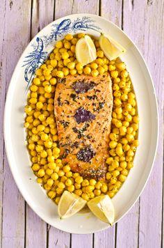Salmão no forno com mel e manjericão roxo