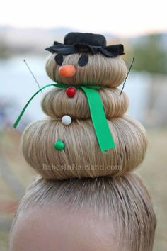 Snowman Hairstyle for Crazy Hair Day (or Christmas) Take crazy hair day seriously. Go all out with this cute, silly snowman hairstyle! Dress him up however you want & you'll definitely have the craziest hair! Crazy Hair Day Girls, Crazy Hair For Kids, Crazy Hair Day At School, Crazy Hair Days, Girl Short Hair, Little Girl Hairstyles, Cute Hairstyles, Hairstyle Ideas, Ballet Hairstyles