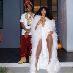 Kelly Rowland and her husband as Slick Rick & Donna Summers Celebrity Halloween Costumes, Cool Costumes, Costumes For Women, Halloween 2019, Creative Costumes, Halloween Stuff, Happy Halloween, Hip Hop Fashion, 70s Fashion
