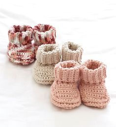 cozy baby booties- free crochet pattern