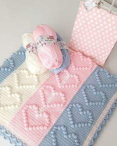 18 Baby Blanket Knitting Patterns So Cute for Your Kids Crochet Baby Jacket, Baby Girl Crochet, Baby Blanket Crochet, Bobble Stitch Crochet, Crochet Pillow Patterns Free, Manta Crochet, Knitted Baby Blankets, Baby Sweaters, Baby Knitting