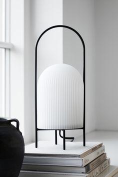 Woud Spring Summer 2020 - minimalist design - minimalist table lamp