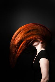 This is such an amazing photo; this red hair is gorgeous!