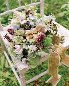 ornate gold ribbon bouquet