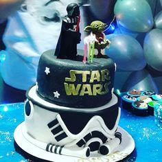 Bolo Star Wars feito por Silcakes Confeitaria Artesanal  @Sil_cakes