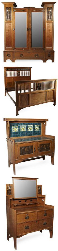 SHAPLAND & PETTER, BARNSTAPLE ARTS & CRAFTS OAK AND COPPER INLAID BEDROOM SUITE, CIRCA 1900