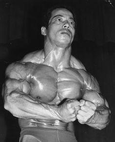 evolution du bodybuilding avant maintenant 1976 1   évolution du bodybuilding avant maintenant   photo image evolution bodybuilding bodybuilder avant après