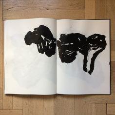 Livre d'artiste, encre de Chine Olivier Umecker Art Graphique, Art Sketchbook, Arts, Art Pictures, Moose Art, Abstract Art, Calligraphy, Ink, Animals