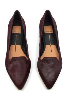 These flats would go perfectly with black skinnies and a wide brimmed hat.