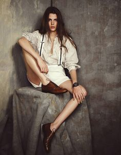 oversized button-down + suspenders + white shorts + Oxford shoes : androgynous