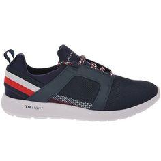 7ef7462161 Ανδρικά παπούτσια casual TOMMY HILFIGER σε μπλέ χρώμα με λευκή σόλα. Τα  παπούτσια της TOMMY